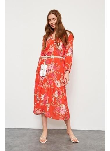 Setre Kırmızı Rayon Viskon Kemerli Floral Desen Elbise Kırmızı